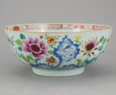 Bowl em porcelana Chinesa de Cia das Indias do sec.18th, 21cm de diametro, 650 USD / 575 EUROS / 1,990 REAIS / 3,870 CHINESE YUAN https://soulcariocantiques.tictail.com