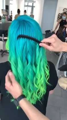 Hair Color Streaks, Hair Color Purple, Hair Color Placement, Caramel Ombre Hair, Rose Gold Hair Blonde, Black Hair With Highlights, Colored Curly Hair, Hair Color Techniques, Hair Color For Women