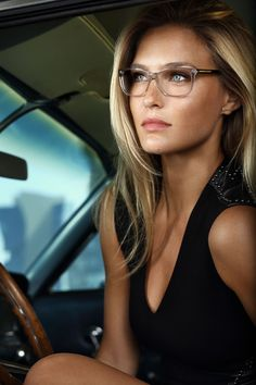 Wear clear glasses, be different, not jut look like any pop stars or your peers. Do you want distinct look. If all answers are NO, clear glasses are the Cute Glasses, New Glasses, Girls With Glasses, Clear Glasses Frames Women, Glasses 2014, Ladies Glasses, Most Beautiful Eyes, Beautiful Women, Beautiful Models