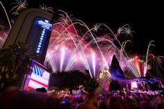 Hollywood Studios - Rockin' Fireworks