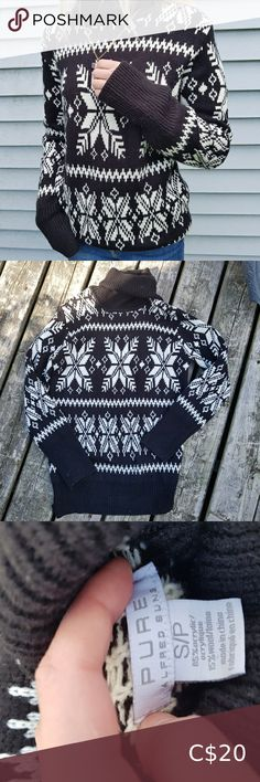 CHRISTMAS SWEATER 💎 -size medium Can't believe Im selling this piece, it is phenomenal! Thick, excellent quality, contains real wool. Super cute snowflake detailing and thick turtleneck; perfect for Canadian winters. I would say it fits more like a medium, despite the tag saying size small. pure Sweaters Cowl & Turtlenecks Half Zip Sweaters, Wool Sweaters, White Turtleneck, Maternity Sweater, Vintage Sweaters, Black Knit, Navy Pink, Turtlenecks, American Apparel