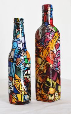 1 million+ Stunning Free Images to Use Anywhere Painted Glass Bottles, Glass Bottle Crafts, Wine Bottle Art, Bottle Vase, Bottles And Jars, Stained Glass Paint, Altered Bottles, Bottle Lights, Bottle Painting