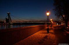 BRATISLAVA BY NIGHT FREE TOUR - WelcomeToBratislava | WelcomeToBratislava - Danube embankment