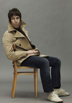 Former Oasis frontman, Liam Gallagher, brings Pretty Green temporary shop to Carnaby Street. Mod Fashion, Green Fashion, Liam And Noel, Liam Gallagher Oasis, Paul Weller, Britpop, Pretty Green, Music Icon, Fashion Gallery