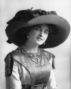 Marjorie Villis, 1911: Alexander Bassano