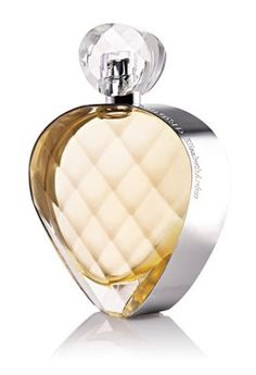 Elizabeth Arden Untold. Pink pepper, bergamot, pear and cassis; middle notes are egyptian jasmine and gardenia; base notes are patchouli, amber and musk.