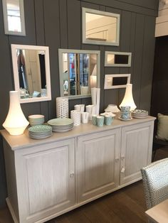 1000 images about blanc d 39 ivoire on pinterest small sofa french table and trestle table. Black Bedroom Furniture Sets. Home Design Ideas
