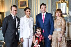 The Crown Princess and Prince Daniel with the Estonian Prime Minister Taavi Roivas with wife Luisa Aches and daughter Miina Roivas. Photo: Pontus Lundahl / TT - Royal Court