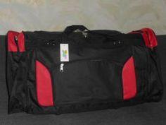 Podobnú menšiu červeno čiernu som nosievala na tréningy karate. Bola to športová taška od rodičov, ktorú som istý čas používala veľmi rada. Karate, Keds, Diaper Bag, Sport, Fashion, Moda, Deporte, Fashion Styles, Diaper Bags