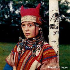 Shamanochki Horned Kichka - Ancient pre-Russian shaman grandmother's headdresses up to modern times (bridal). https://eldermountain.wordpress.com #kitchko #kitchka