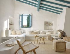 〚 Summer inspiration: sunny Mediterranean villa by Kave Home 〛 ◾ Photos ◾ Ideas ◾ Design #livingroom #beams #blue #white #interiordesign #homedecor #Ideas #inspiration #tips #cozy #living #style #space Relax, Outdoor Furniture Sets, Outdoor Decor, Decoration Design, Home Photo, Jute, Armchair, Sweet Home, Living Room