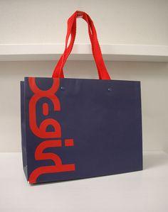papaer bag Design Print Graphic Fashion 紙袋 デザイン 印刷 グラフィクデザイン ファッション Luxury Packaging, Bag Packaging, Packaging Design, Shopping Bag Design, Paper Shopping Bag, Shoping Bag, Paper Bag Design, Creative Bag, Catalog Design