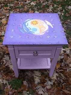 My Little Pony Celestia/Luna Nightstand. My Little Pony Bedroom, My Little Pony Craft, My Lil Pony, Mlp, Hand Painted Furniture, Paint Furniture, Little Girl Rooms, Little Girls, Celestia And Luna