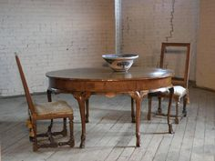 Venetian 18th Century Walnut Oval Center or Dining Table | From a unique collection of antique and modern center tables at https://www.1stdibs.com/furniture/tables/center-tables/