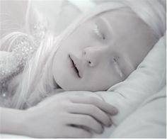 ❄ White - Beautiful Albino Girl