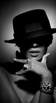 Photography Inspiration - Women Portraiture - Glam Shot - Casual or Artistic…