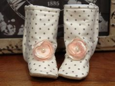 Baby Booties Infant Newborn Winter Boots by ToastyToesies on Etsy, $25.00