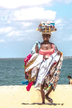 Angola. Lady selling in Mussulo beach
