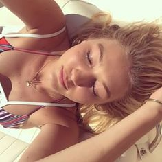 12. The Summer Sun Selfie | Community Post: The 19 Most Life-Changing Gigi Hadid Selfies