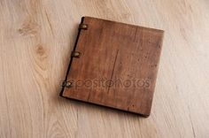 depositphotos_95149902-stock-photo-wedding-book-with-a-wooden.jpg (450×299)