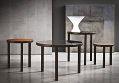 RILEY - Designer Coffee tables from Minotti ✓ all information ✓ high-resolution images ✓ CADs ✓ catalogues ✓ contact information ✓ find your. Coffe Table, Coffee Table Design, Table Desk, Contemporary Coffee Table, Modern Side Table, Pots, Lounge Areas, Furniture Collection, Luxury Furniture