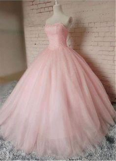 Buy discount Stunning Tulle Sweetheart Neckline Ball Gown Prom Dresses With Beadings at Dressilyme.com
