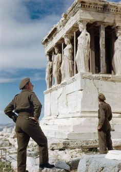 British soldiers admiring the Caryatids on the Acropolis while sight-seeing in Athens, October 1944 - part of an extraordinary collection of rare colour photographs of the Second World War that feature in the new book Bernard Montgomery, British Soldier, British Army, Crusader Tank, Second World, Colorful Pictures, World War Two, Historical Photos, Wwii