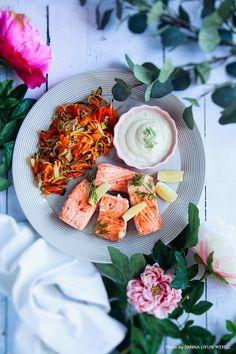 Citronbakad laxfilé med blomkålspuré och ugnsrostade rotsaker, underbar varmrätt för dig som äter måttlig till liberal LCHF. #lchf #lowcarb #lowcarbrecipes #vardagsmiddag