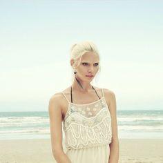 Aline Weber au Brésil http://www.vogue.fr/mode/mannequins/diaporama/la-semaine-des-tops-sur-instagram-17/17581/image/950406