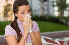 Sommer, Sonne und laufende Nase? Unser Gesundheitstipp klärt über die Sommergrippe auf und gibt Tipps, wie ihr diese schnell wieder loswerdet.