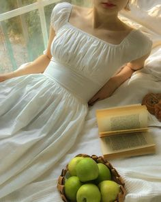Moda Aesthetic, Aesthetic Clothes, Aesthetic Green, Aesthetic Vintage, Vintage Dresses, Vintage Outfits, Vintage Fashion, Vintage Inspired Dresses, Edwardian Fashion