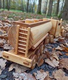 Wooden Toy Trucks, Making Wooden Toys, Wood Toys Plans, Push Toys, Popsicle Crafts, Different Types Of Wood, Natural Toys, Wooden Puzzles, Wooden Crafts