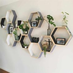 The Best 15 Attractive Hexagon Shelves For Living Room Decoration Ideas The appearance of the wall is important in decorating the room. A good wall display certainly makes the room decor more attractive. Getting bored with. Decorating Your Home, Diy Home Decor, Bookcase Decorating, Decorating Ideas, Hexagon Shelves, Honeycomb Shelves, Diy Casa, Shelves In Bedroom, Contemporary Home Decor