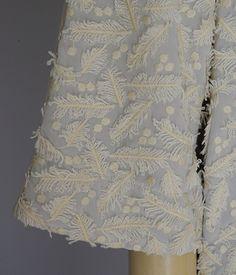 M63311 スピンクル羽根刺繍プルオーバー #miyaco #lace #fashion #embroidery #レース #刺繍 #プルオーバー