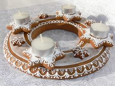věnec HVĚZDY a3 Gingerbread Cookies, Christmas Cookies, Advent Wreath, Sugar Art, Biscotti, Fall Decor, Christmas Decorations, Yummy Food, Candles