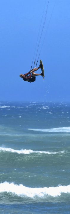 Kite surfing in the Eastern Cape. pic Leigh Evans-Bullock