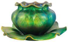 "Zsolnay - ""Galléros"" váza, Tiffany-vonalas rajzzal, 1898"