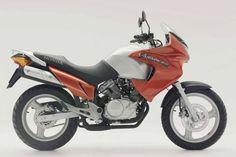 Honda XL125 Varadero motorcycle review - Side view