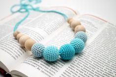 Aqua Blue Teething Necklace - Nursing necklace - Babywering Breastfeeding necklace - Baby teething toy by MagazinIL on Etsy https://www.etsy.com/se-en/listing/194948803/aqua-blue-teething-necklace-nursing