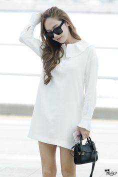 ( 160706 ) Incheon Airport to HongKong Airport. ♢ do not edit ! Fashion Line, 70s Fashion, Fashion 2017, Fashion Outfits, Kpop Fashion, Korean Airport Fashion, Korean Fashion Summer, Yoona, Jessica Jung Fashion
