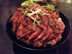神戸●神戸発!安くてうまいステーキ丼vsローストビーフ丼!レッドロックで喰らう | jiplog