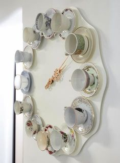Tea time clock - DIY idea -- Cute for shabby chic room Alice In Wonderland Room, Wonderland Party, Décor Antique, Diy Clock, Clock Ideas, Tea Time, Coffee Time, Coffee Cups, Coffee Shop