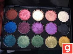 Love these colors, they would look great on my skin :D