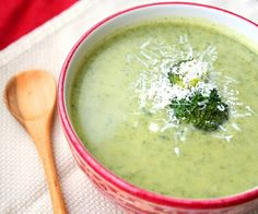 Broccoli Cheese Soup south beach - trying this for lunch this week!