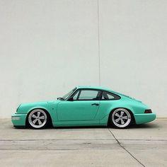 Porsche 964, Porsche 911 Classic, Porsche Sports Car, Porsche Models, Porsche Cars, Custom Porsche, Vintage Porsche, Porsche Design, Top Cars