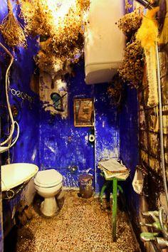 Melih Ozuysal's apartment, Istanbul__the bathroom