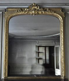 Beautiful antique Regency style overmantel mirror with its original mercury glass