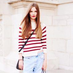 Loving a burgundy stripe teamed with black leather crossbody! #copenhagenstreetstyle #danishfashion #carolinebraschnielsen #crossbody #minskatcopenhagen #danishdesign #italianleather #blackbag #bag #fashion #casual #streetstyle #denim #handbag