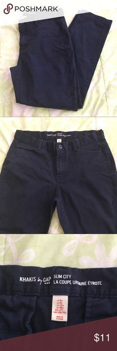 NAVY BLUE GAP PANTS 👖🌺✨ Navy Blue 🔹🔹Pants from Gap 🌸 Worn, but in EXCELLENT CONDITION !! 💖 Size: 6R 🌺 Tip: Looks great with nice beige/ black blouse 😍😉✨✨ No Trades ✨-- EVERYTHING MUST GO!! 🙅🏽Listing will be taken down by September 1st 8:00 p.m. Eastern Time ⏰ GAP Pants Trousers