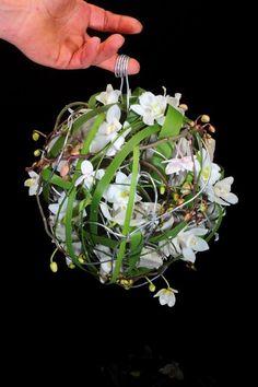 FlowerFactor Tweetjam #Yesido Copyright: Koppert Cress BV & FlowerFactor Floral Bouquets, Wedding Bouquets, Wedding Flowers, Wedding Design Inspiration, Creative Inspiration, Bio Art, Floral Artwork, Floral Bags, Arte Floral